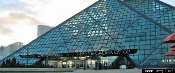 ROCK AND ROLL HALL OF FAME CLEVELAND
