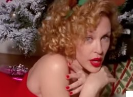 Kylie Minogue Plans Christmas Treat For Fans?