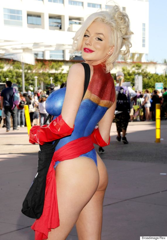 Courtney stodden goes topless at comic con dons captain for Comic con body paint