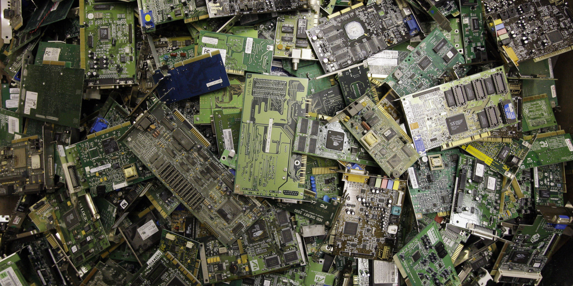 Removing Toxic Electronics From Nyc S Waste Huffpost