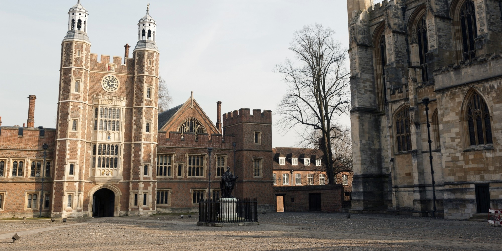 Eton College Accidentally Sends Email Giving Places To 400 Pupils ...