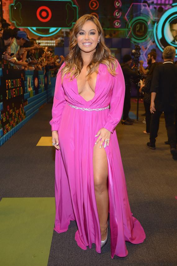 Así brillaron los famosos en la alfombra de Premios Juventud 2015 ...