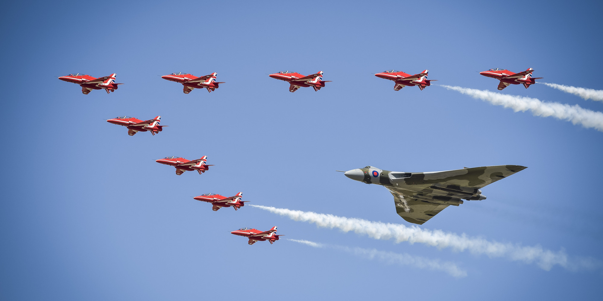 Avro Vulcan XH558 Performs Spectacular Stunt At Royal