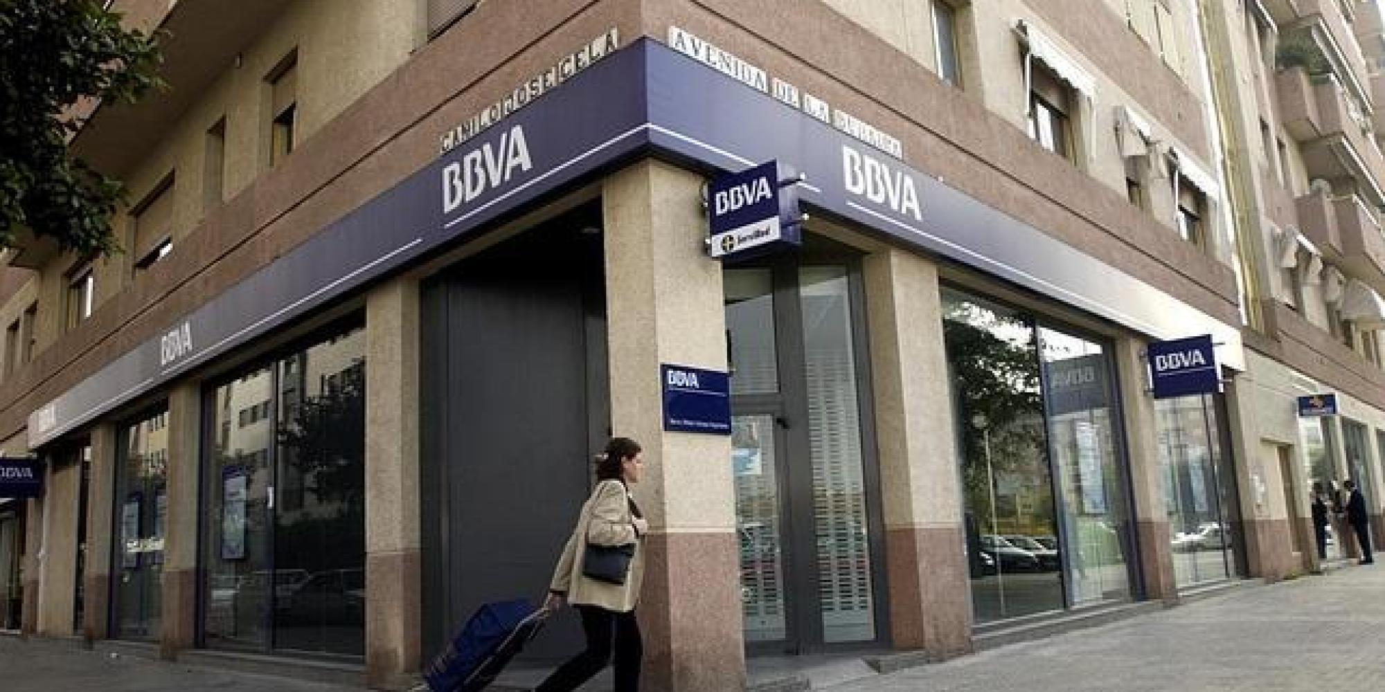 Bbva cobrar dos euros a los no clientes por el uso de for Cajero servired oficina 9736