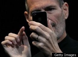 How Can Apple Fix The iPhone 4 Mess?