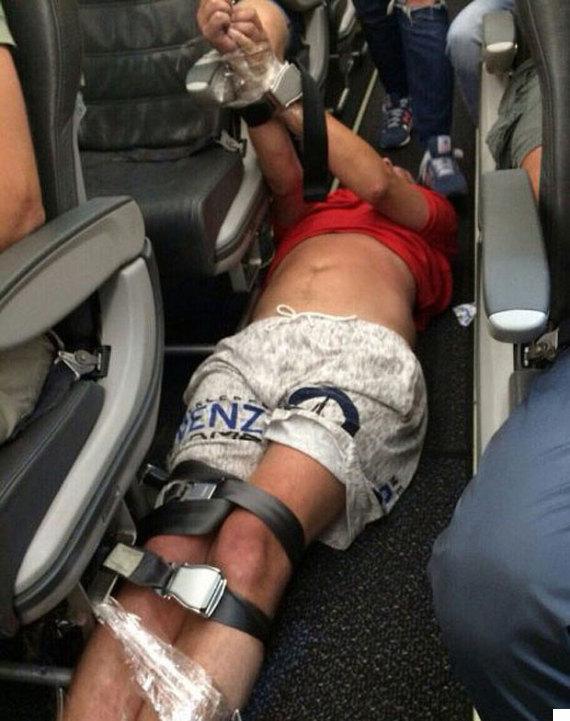 siberian airlines drunk passenger