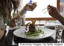 Customer Leaves LOL As Dinner Tip