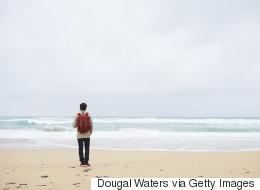 4 σημάδια που δείχνουν ότι νιώθετε μόνοι (κι ας μην το καταλαβαίνετε)