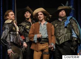 «Les Trois Mousquetaires» d'Alexandre Dumas au TNM à Montréal : un spectacle complet