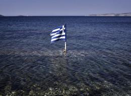 La bourse d'Athènes plonge de 16% pour sa réouverture