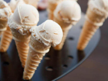 How To Serve Ice Cream At Your Wedding (You Know You Want To)