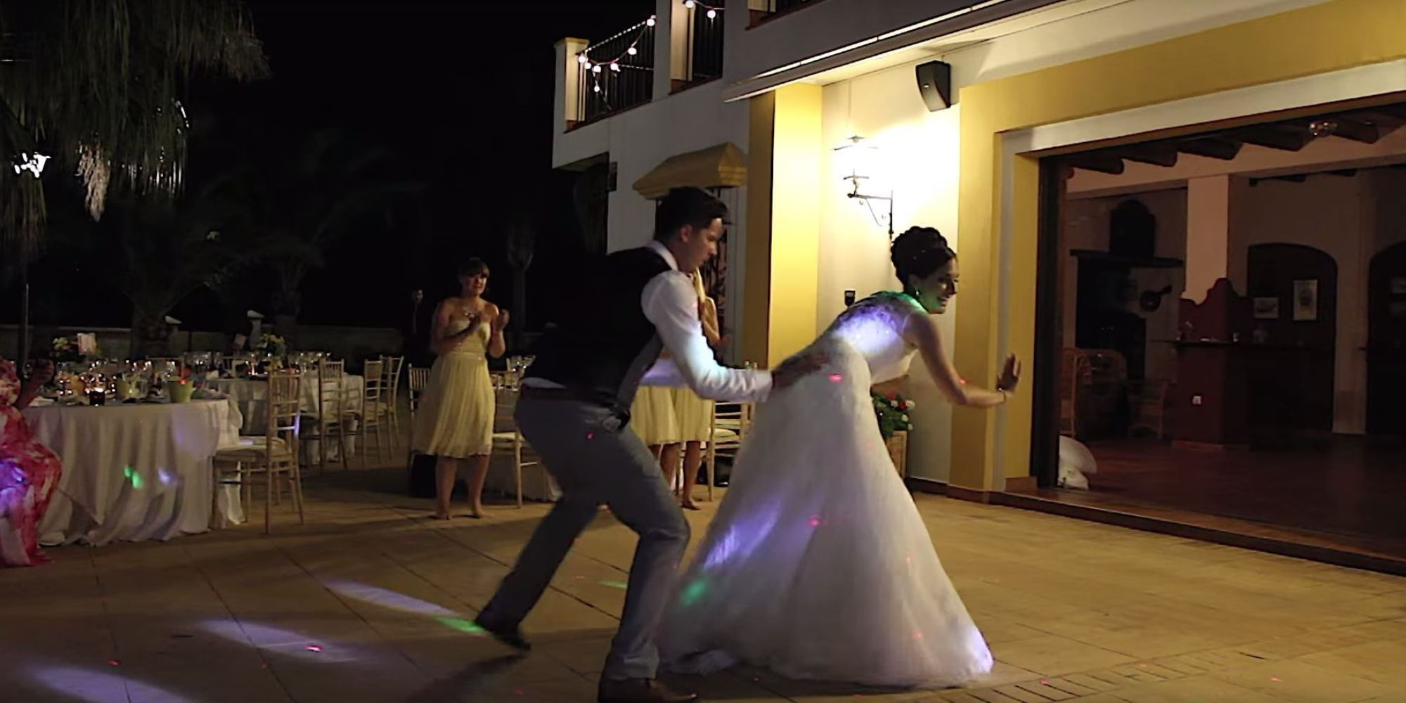 Best Wedding Dance Ever Hollie Dave Smith S First Was A Medley Of Awesome Huffpost Uk