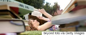 READING TEENAGER