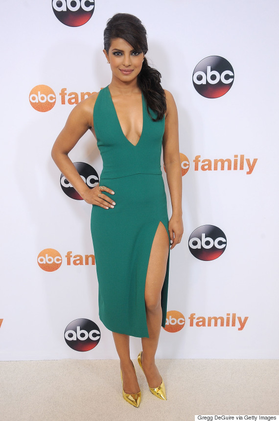 Priyanka Chopra S Green Dress Is The Perfect Amount Of Sexy