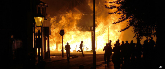 LONDON RIOTS 2011 CHARGED
