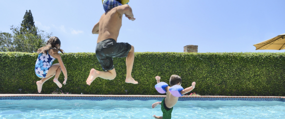 JUMPING POOL