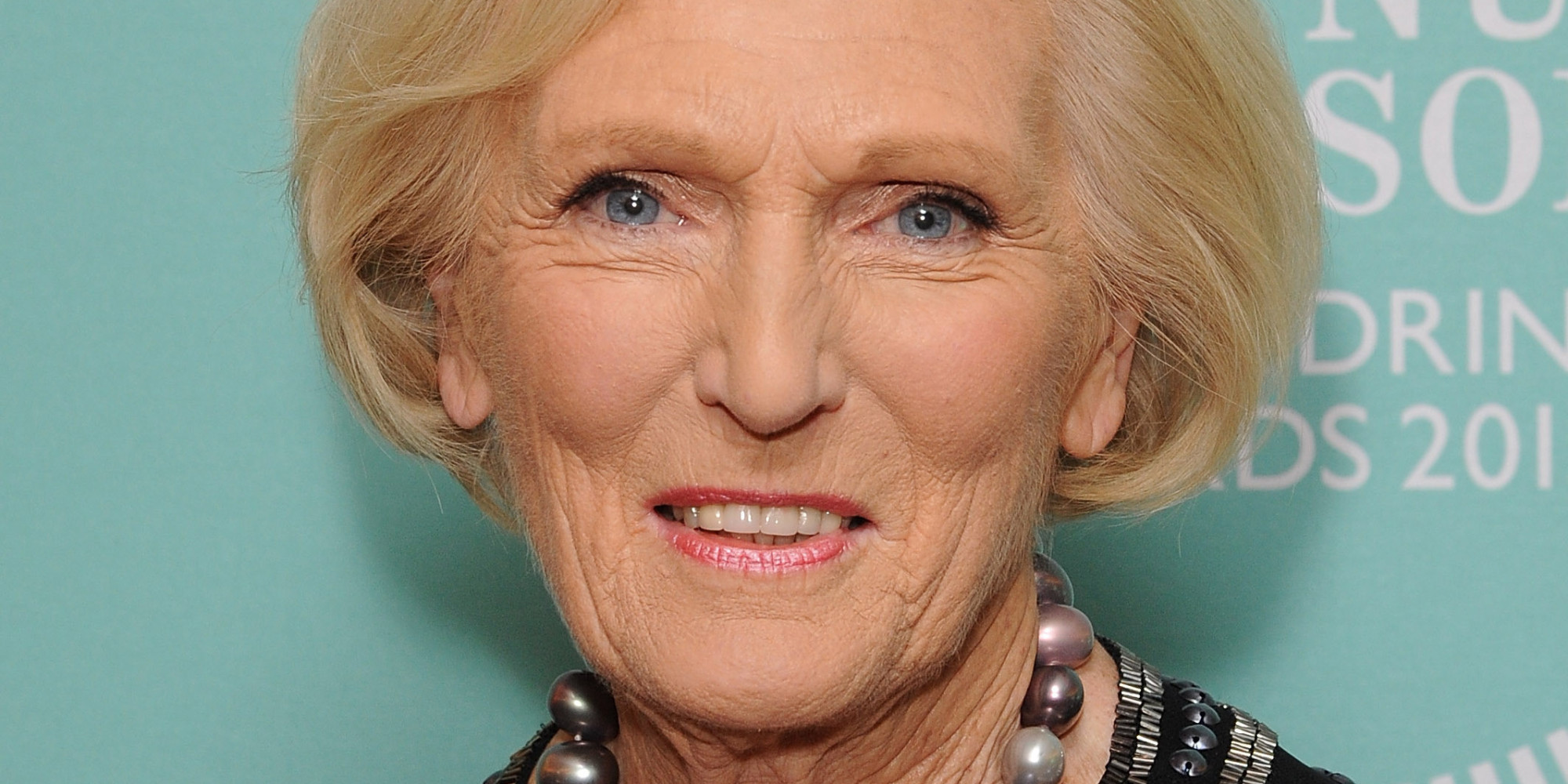 Great british bake off 39 mary berry lets slip who leaves for Mary berry uk