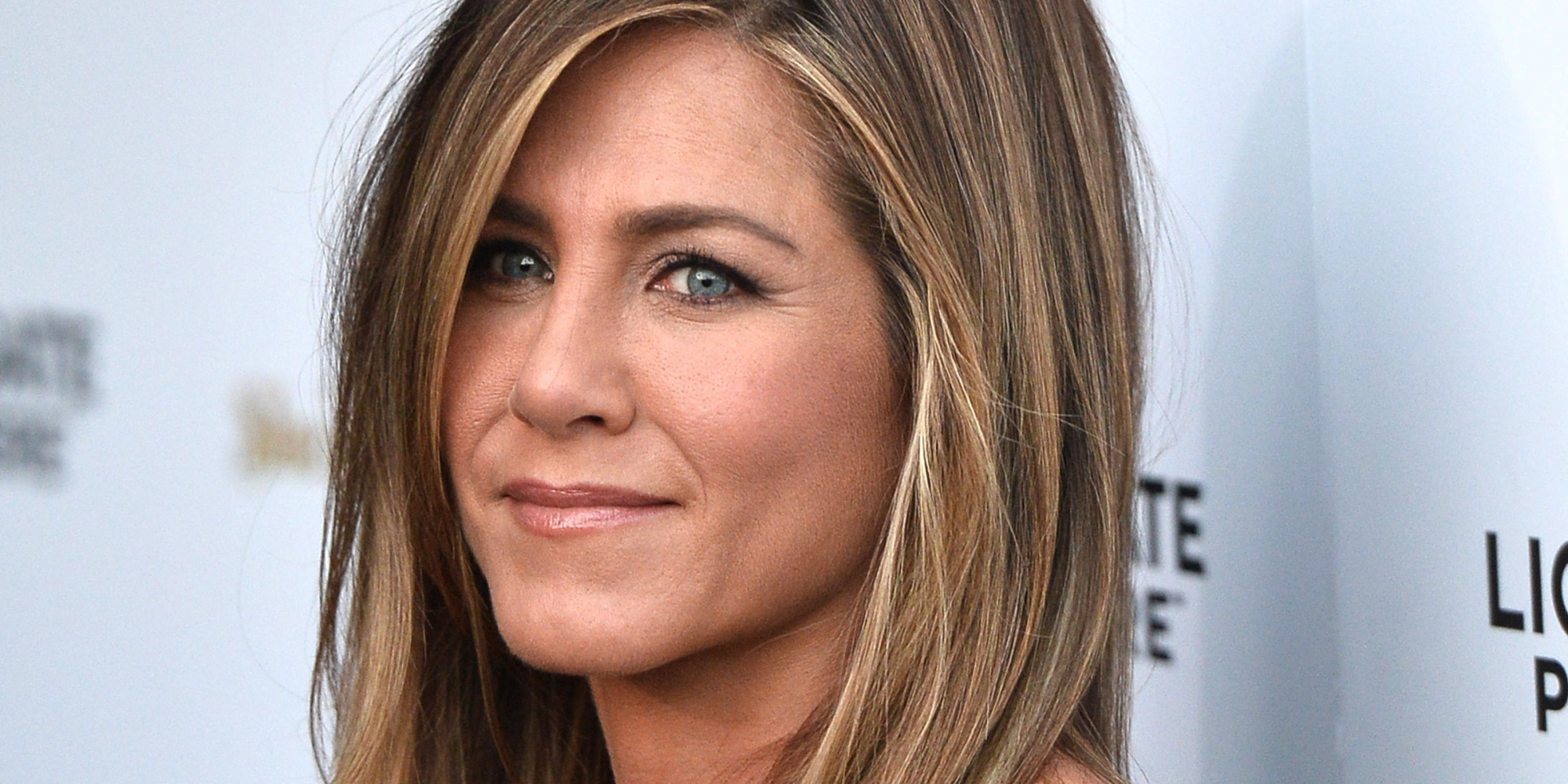 celebrity engagement rings jennifer anistons giant rock is no longer but her wedding ring is amazing huffpost uk - Jennifer Aniston Wedding Ring