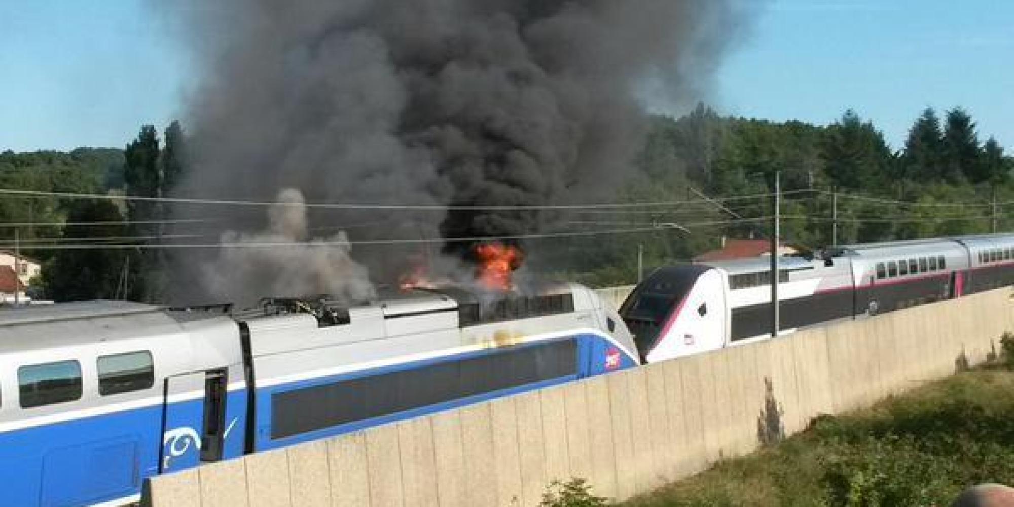 photos l 39 incendie d 39 un tgv perturbe le trafic des trains sur l 39 axe paris marseille. Black Bedroom Furniture Sets. Home Design Ideas