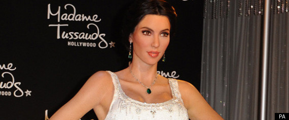 KIM KARDASHIAN WEDDING DRESS WAXWORK
