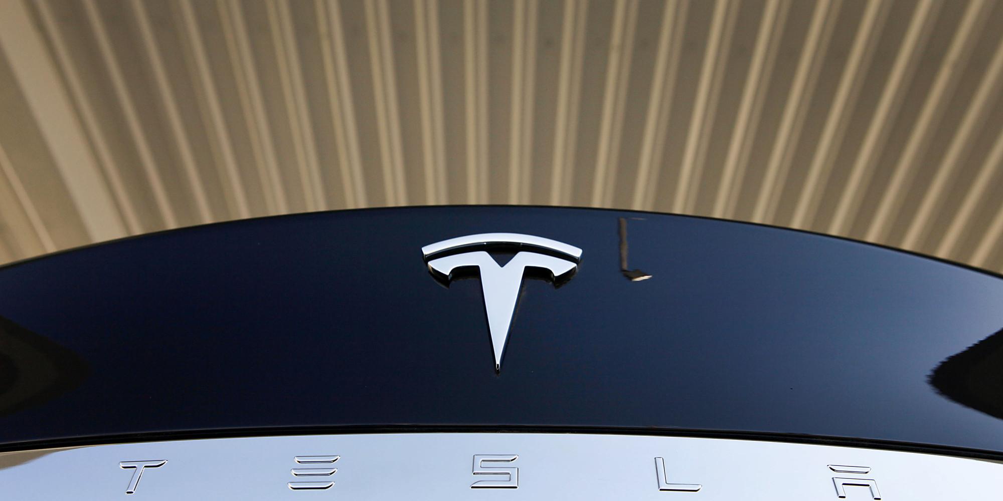 Apple Hires Senior Tesla Engineer For Secret Driverless ...
