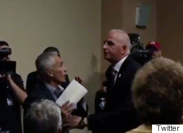 Expulsan a Jorge Ramos de conferencia de prensa de Donald Trump