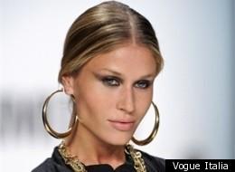 Simple Kim Kardashian In Hoops  Cool Woman Wear Hoopearrings  Pinterest