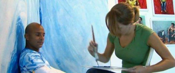 ARTIST PAINTS PEOPLE