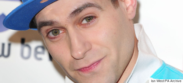 Comedian Hilariously Gives Lee Nelson A Taste Of His Own Medicine