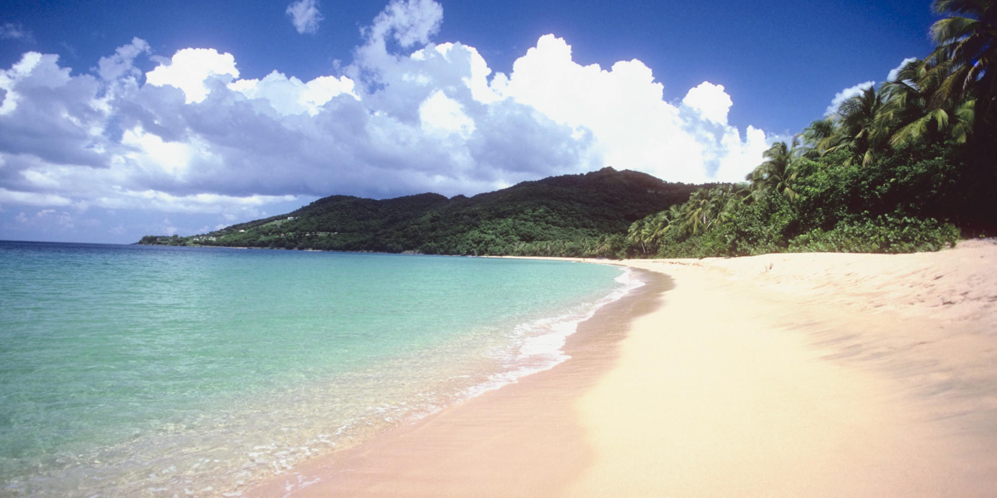 5 exotic beaches you can visit without a u s passport for Americas best paint