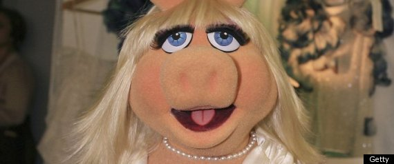 MISS PIGGY FASHIONS NIGHT OUT