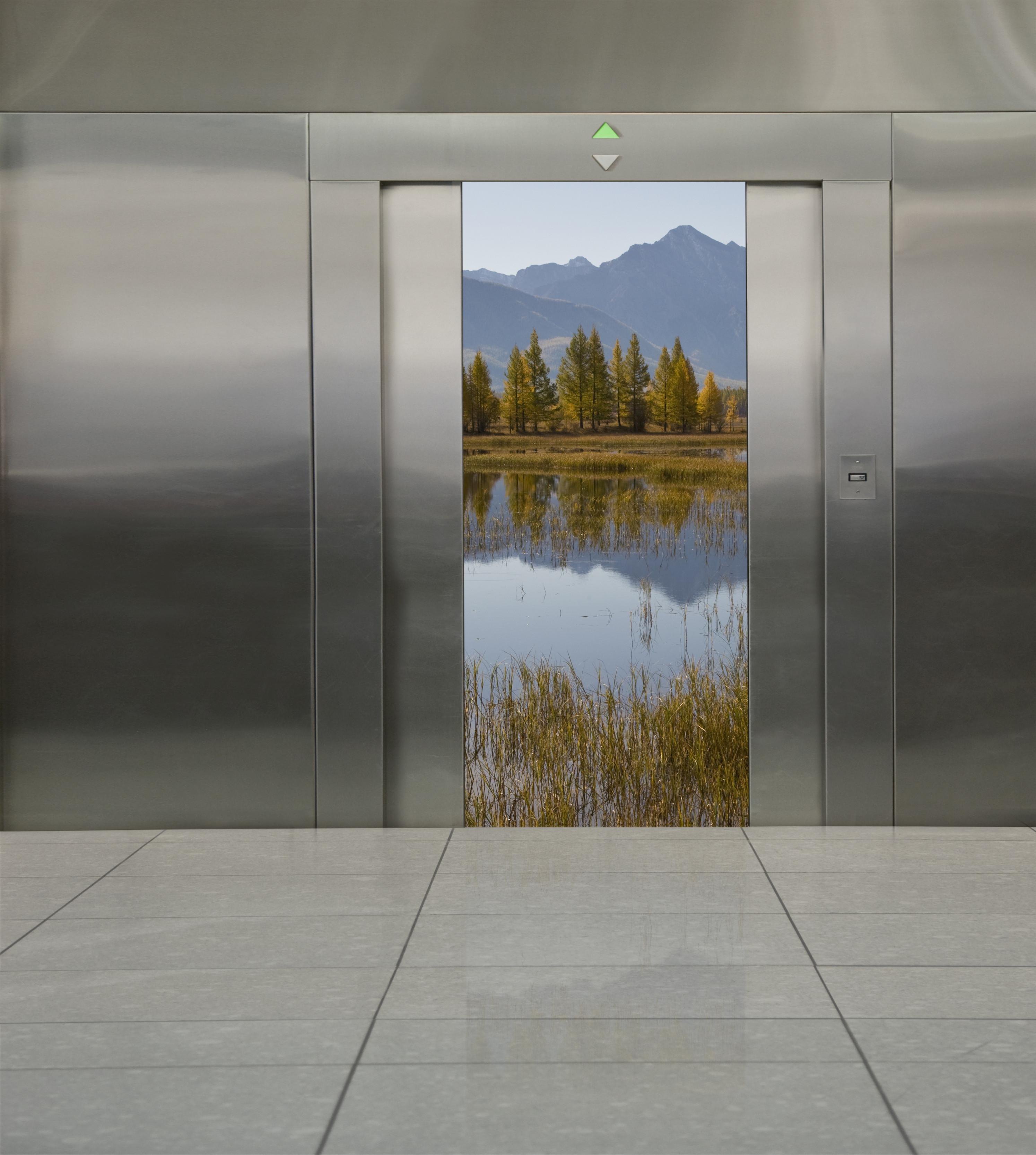 door elevator