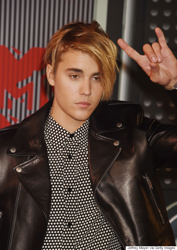 MTV VMAs Brooklyn Beckham Schooled Justin Bieber In How To - Justin bieber new hairstyle vma