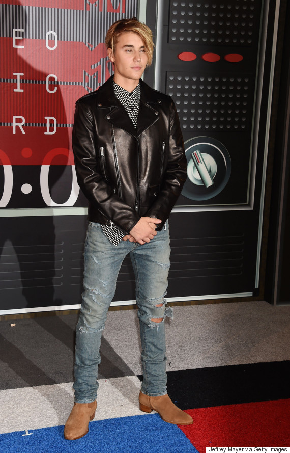 Mtv Vmas 2015 Brooklyn Beckham Schooled Justin Bieber In How To Dress For The Red Carpet And