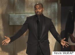Kanye West sème la controverse avec un défilé surprise