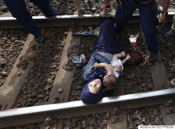 bicske hungary migrant track