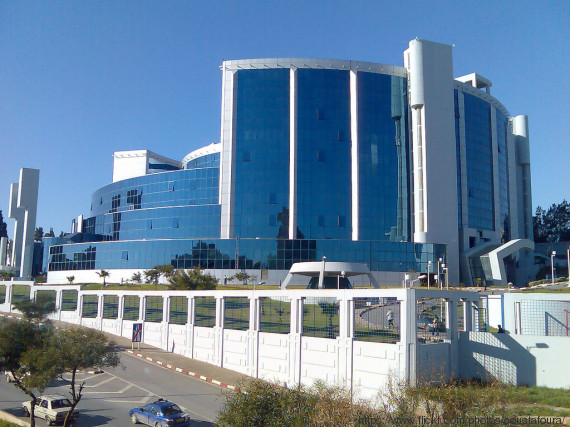 Benkhalfa compte sur l 39 argent de l 39 informel pour viter for Ministere exterieur algerie