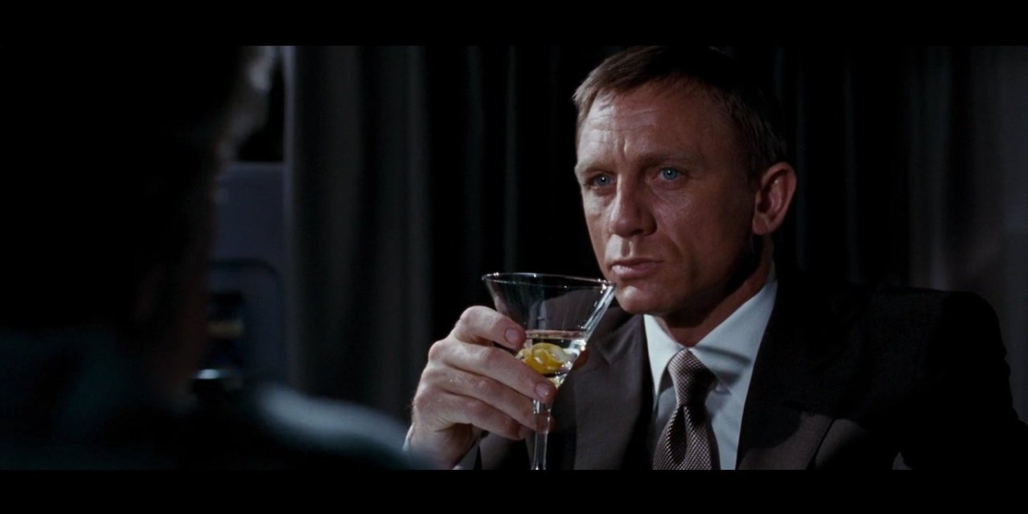 How to make james bond 39 s signature drink the martini for Cocktail 007 bond