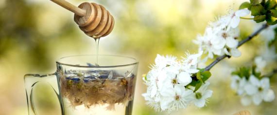 warum ihr jeden tag ein glas wasser mit honig trinken solltet. Black Bedroom Furniture Sets. Home Design Ideas
