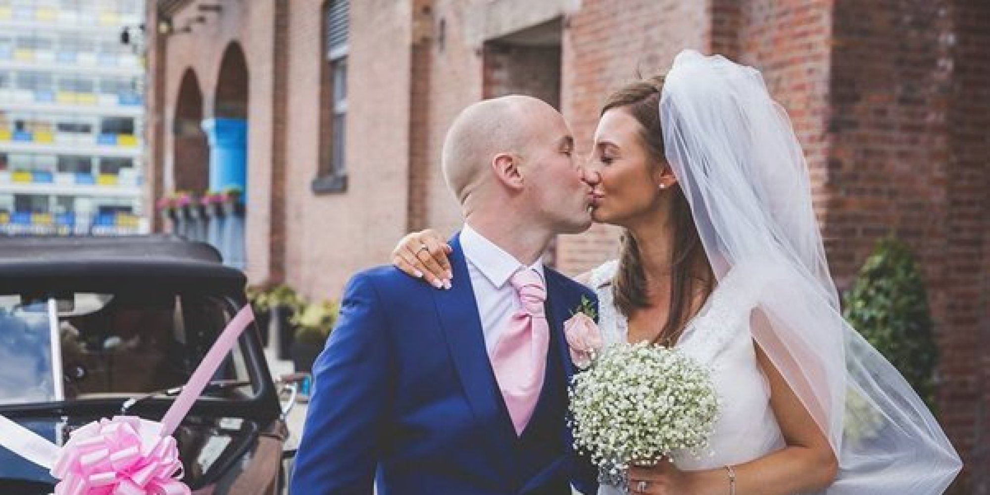 Strangers Pay For Couple's Dream Wedding After Groom