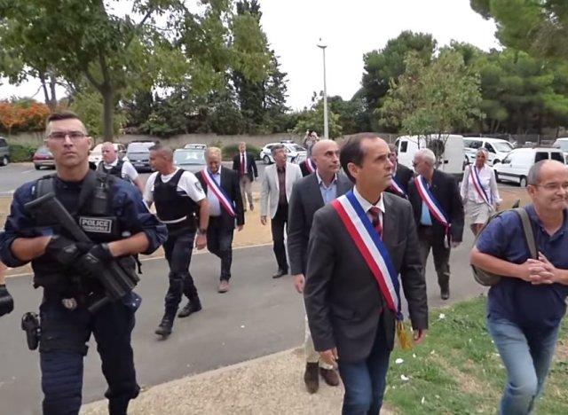 Robert m nard le syndicat national de la police for Piscine municipale beziers