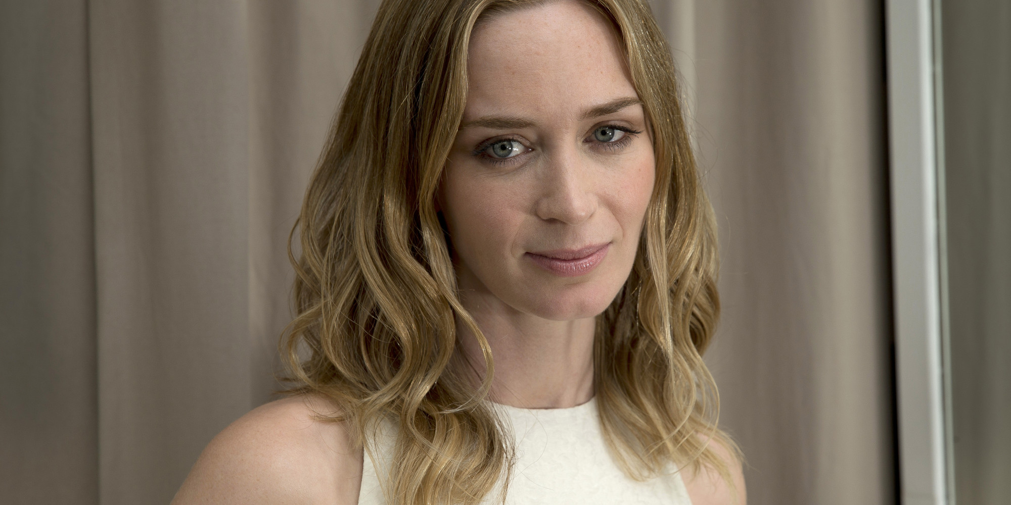 Emily Blunt Ordered To 'Leave Hollywood' By Fox News Host Over ... Emily Blunt