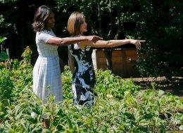 Michelle Obama se lleva a Letizia al huerto (ecológico)