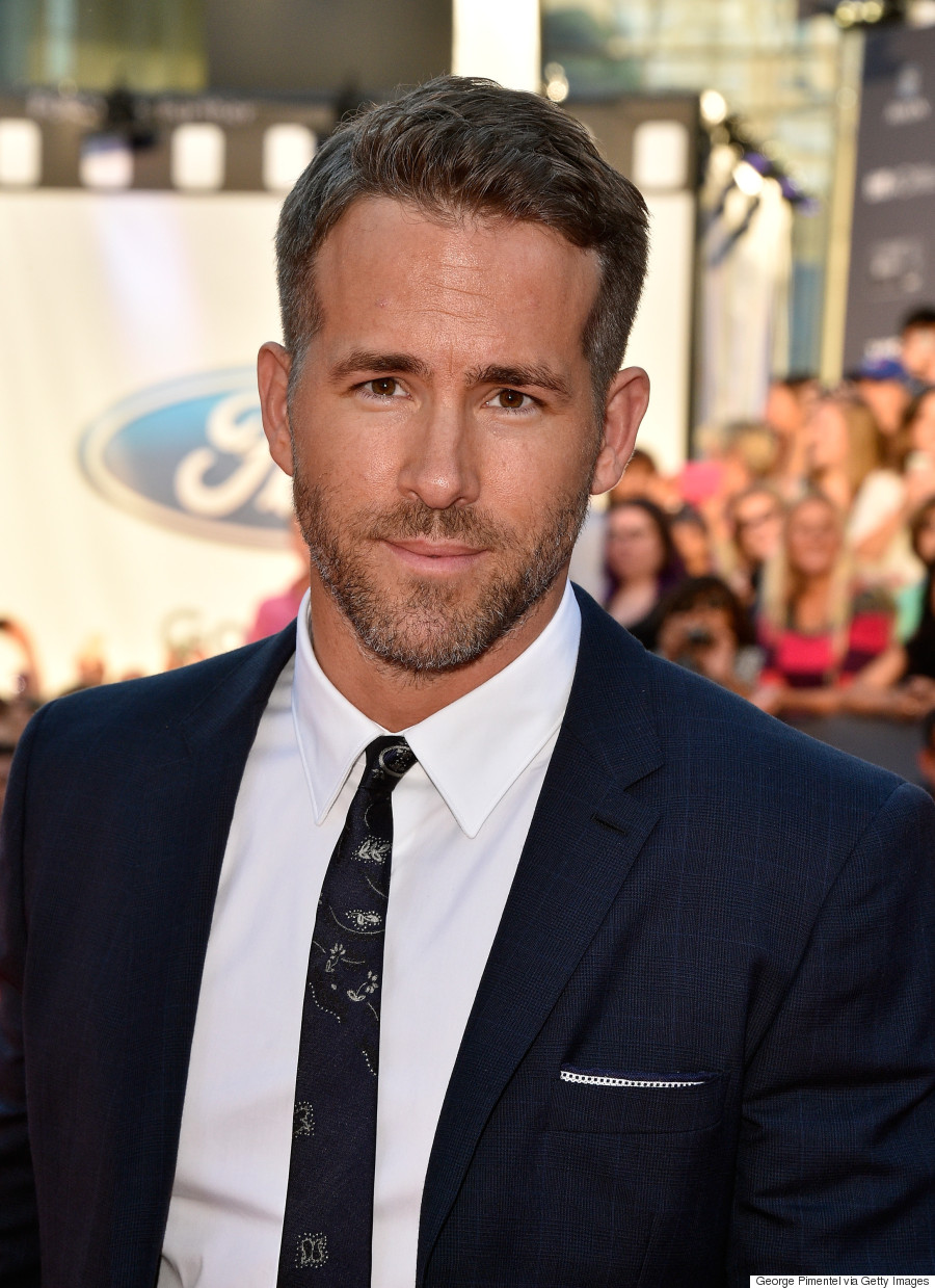 Ryan Reynolds TIFF 2015: Actor Charms Fans On Red Carpet Ryan Reynolds