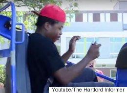 경찰이 대학생들을 자동차 충돌 시뮬레이터에 태웠다(동영상)