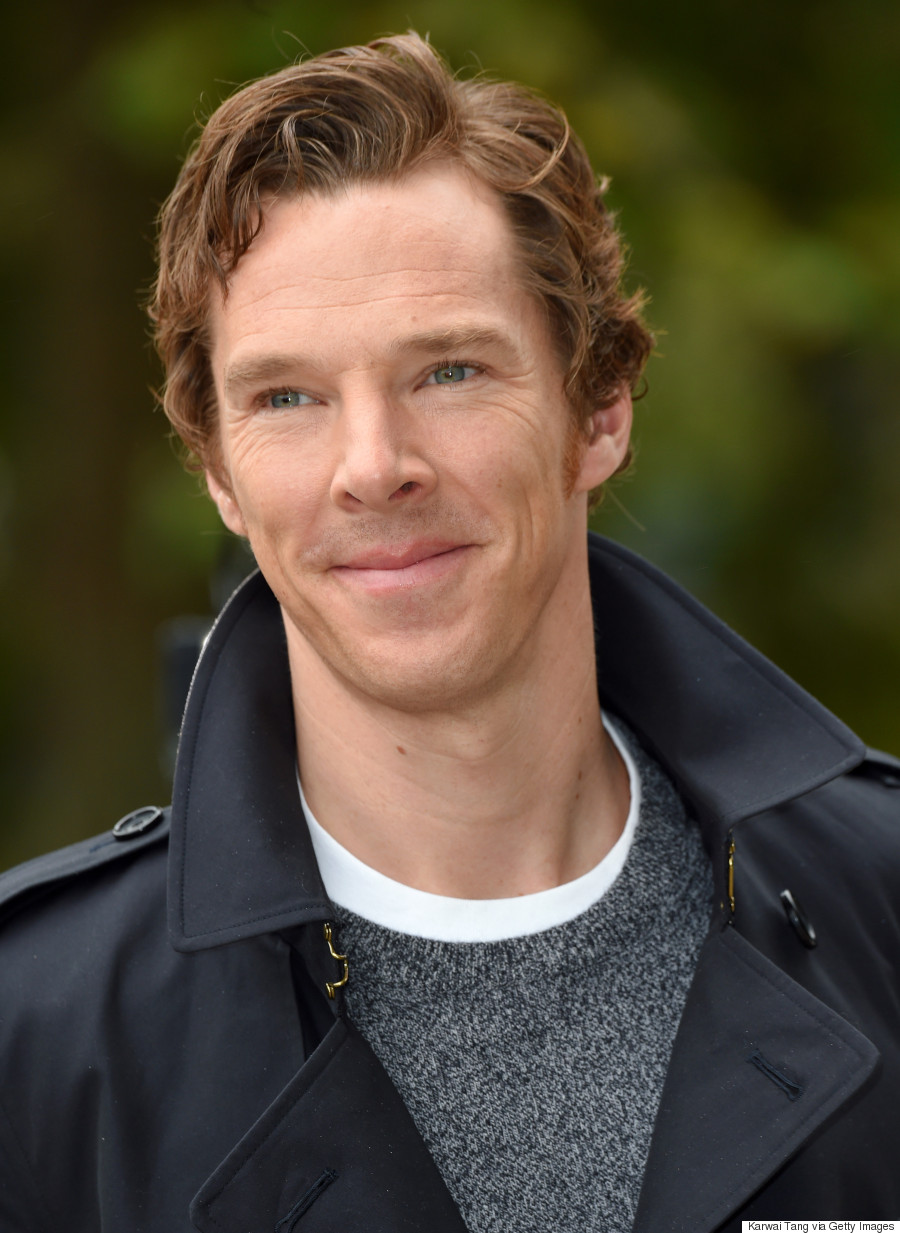 Benedict Cumberbatch Looks Devastatingly Handsome At Burberry's Spring ...