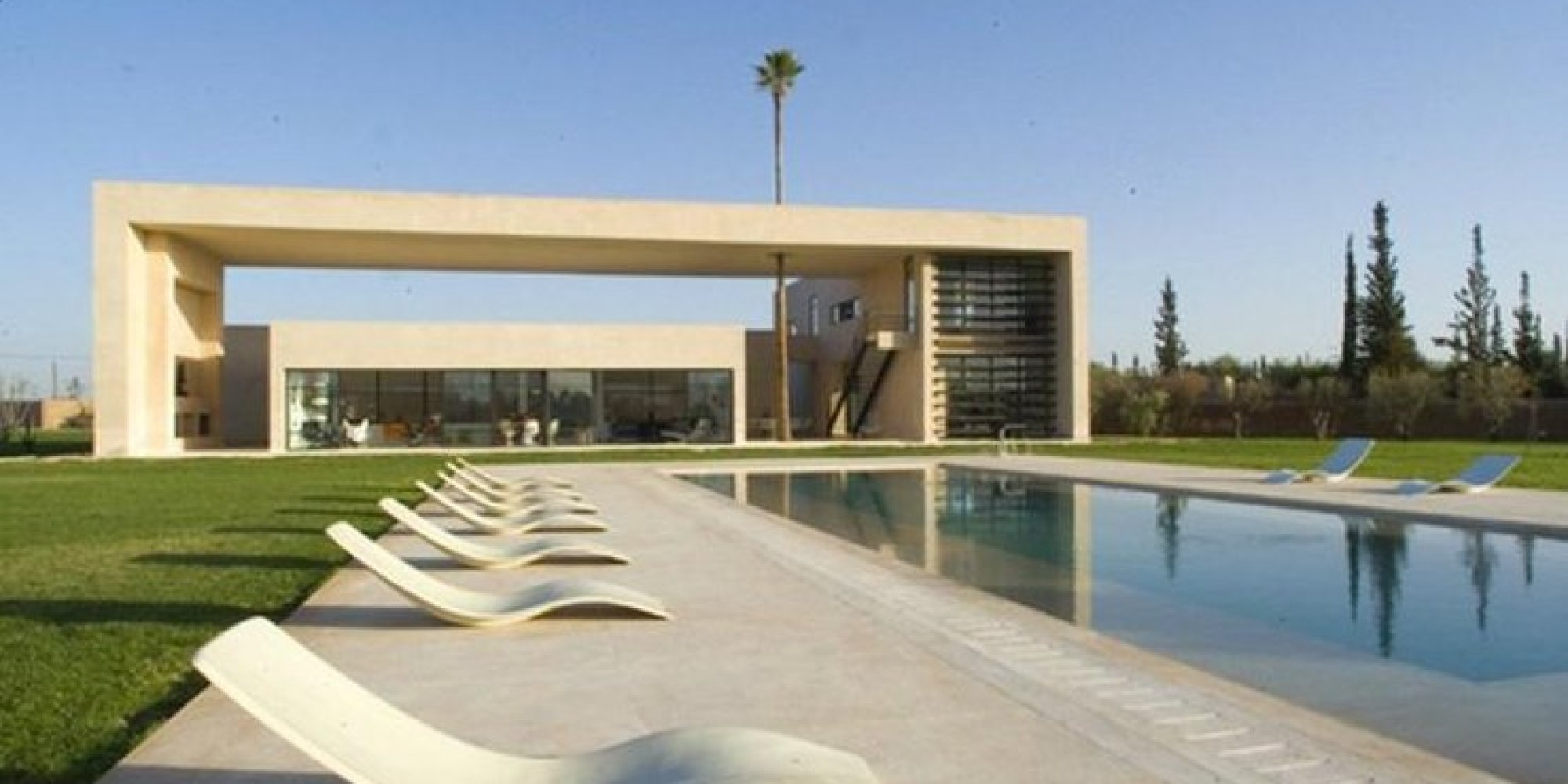 La maison de james bond mise en vente marrakech - Villa decor desert o architecture ...