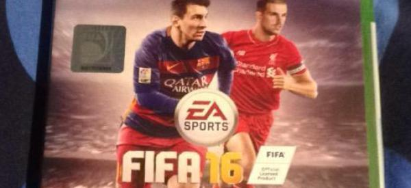 Girl Has Perfect Response When Boyfriend Shuns Her For FIFA 16