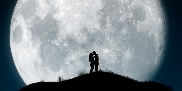 12 Things Men Do That Make Women Fall Deeper in Love ...