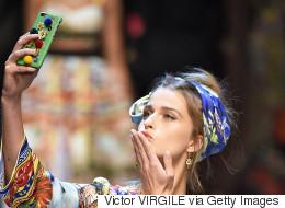 Le selfie en vedette du défilé printemps-été 2016 de Dolce & Gabbana (PHOTOS)